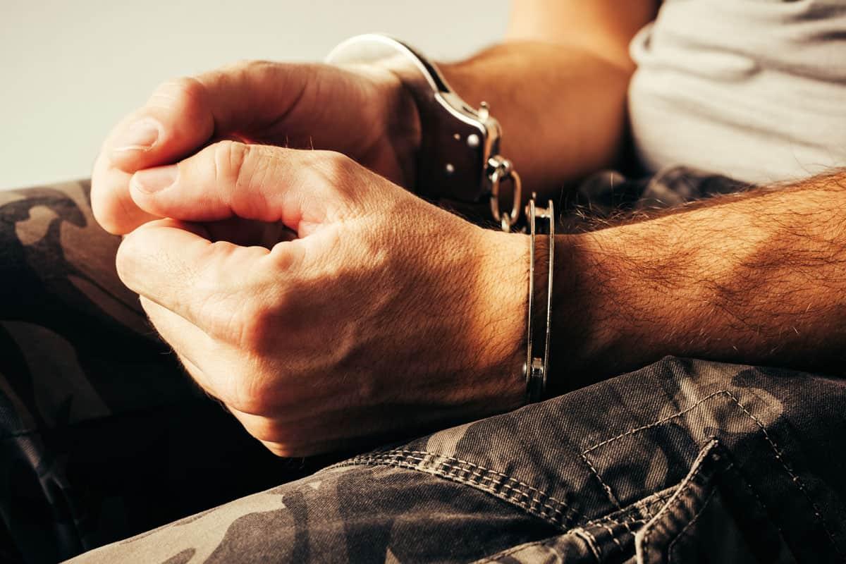 kućni zatvor ili kućni pritvor - Advokat u Novom Sadu
