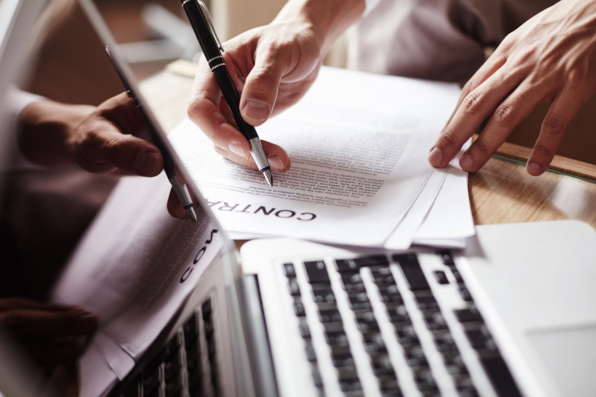 Ugovor o poklonu – Značenje ugovora, ko ga može zaključiti i na koji način se može raskinuti