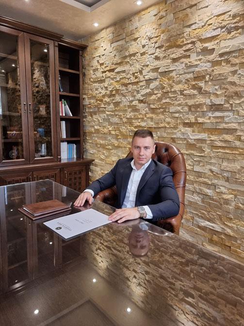 Advokat Gvozden Grgur